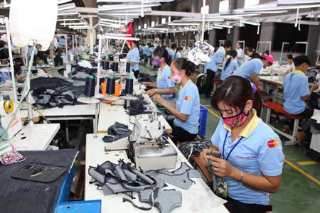 Hàng trăm nghìn lao động mất việc làm trong 4 tháng đầu năm